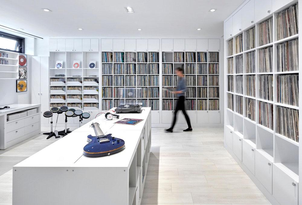 Sala de música y colección de vinilos en el sótano