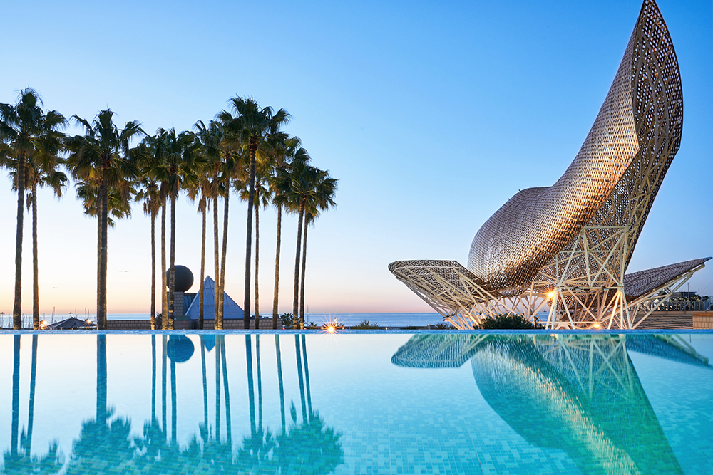 La escultura de Frank Gehry en el Hotel Arts Barcelona